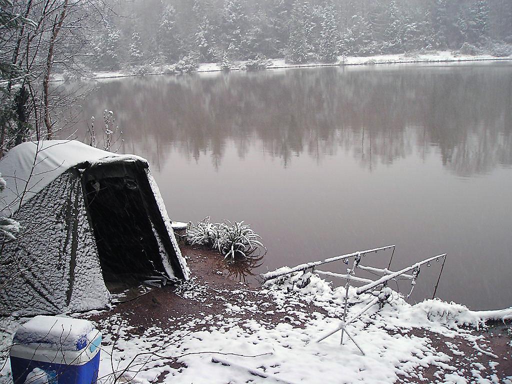 La base avec la pêche à krasnoyarske